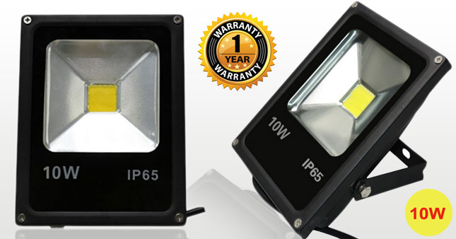 50% OFF! 10W LED Outdoor Flood Light worth Rs. 1,800 For Just Rs. 899 with One Year Warranty!
